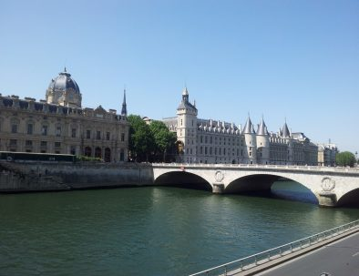 Conciergerie-from-Seine