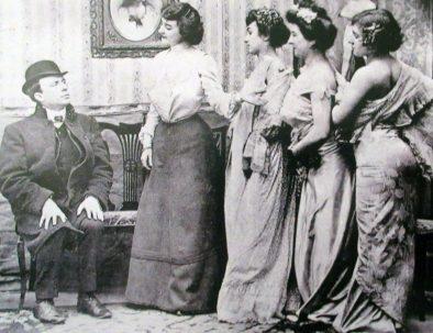 Maison-close-presentation-prostitues